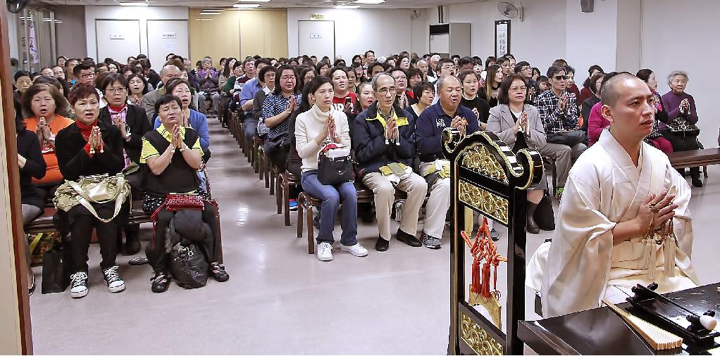 本興院創立紀念法會分兩場舉行,除了本堂以外,亦開放四樓客殿及活動中心供信徒參詣,合計逾二四○○名全台各本部的信徒代表參加