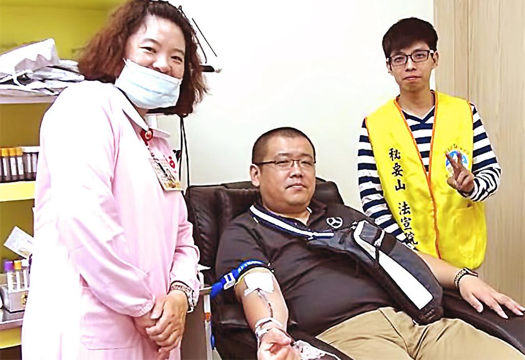 法宣院社福部於苓雅捐血室及捷運後驛站同步舉辦捐血活動