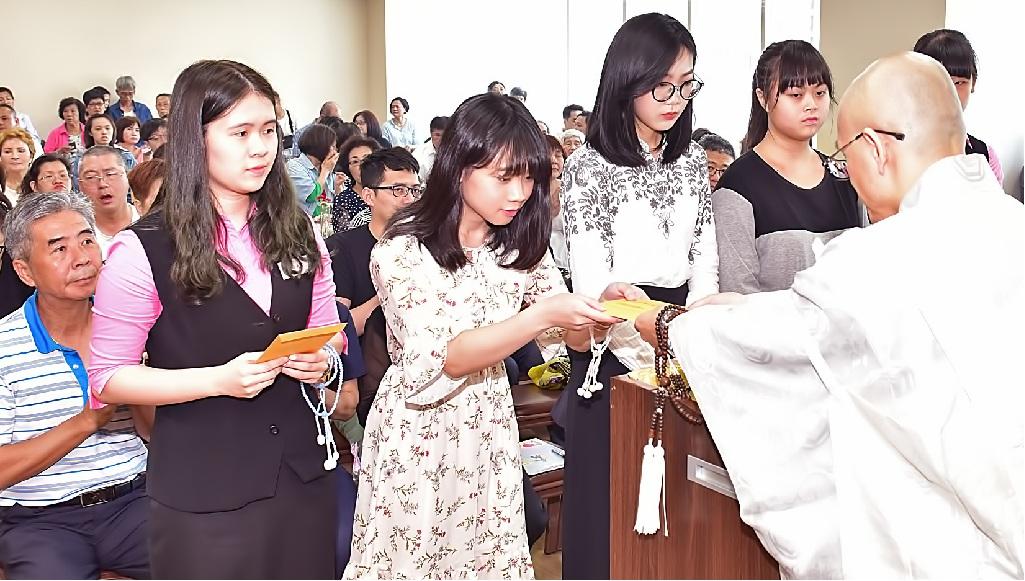 北台本部共有五位學子獲頒獎助學金