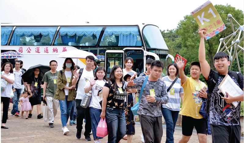 充滿青春活力的青年部,自各地前來參加總會。