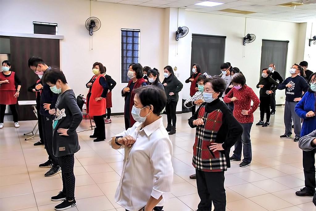 法宣院社福部舉辦的氣功講座,吸引眾多講員參與。